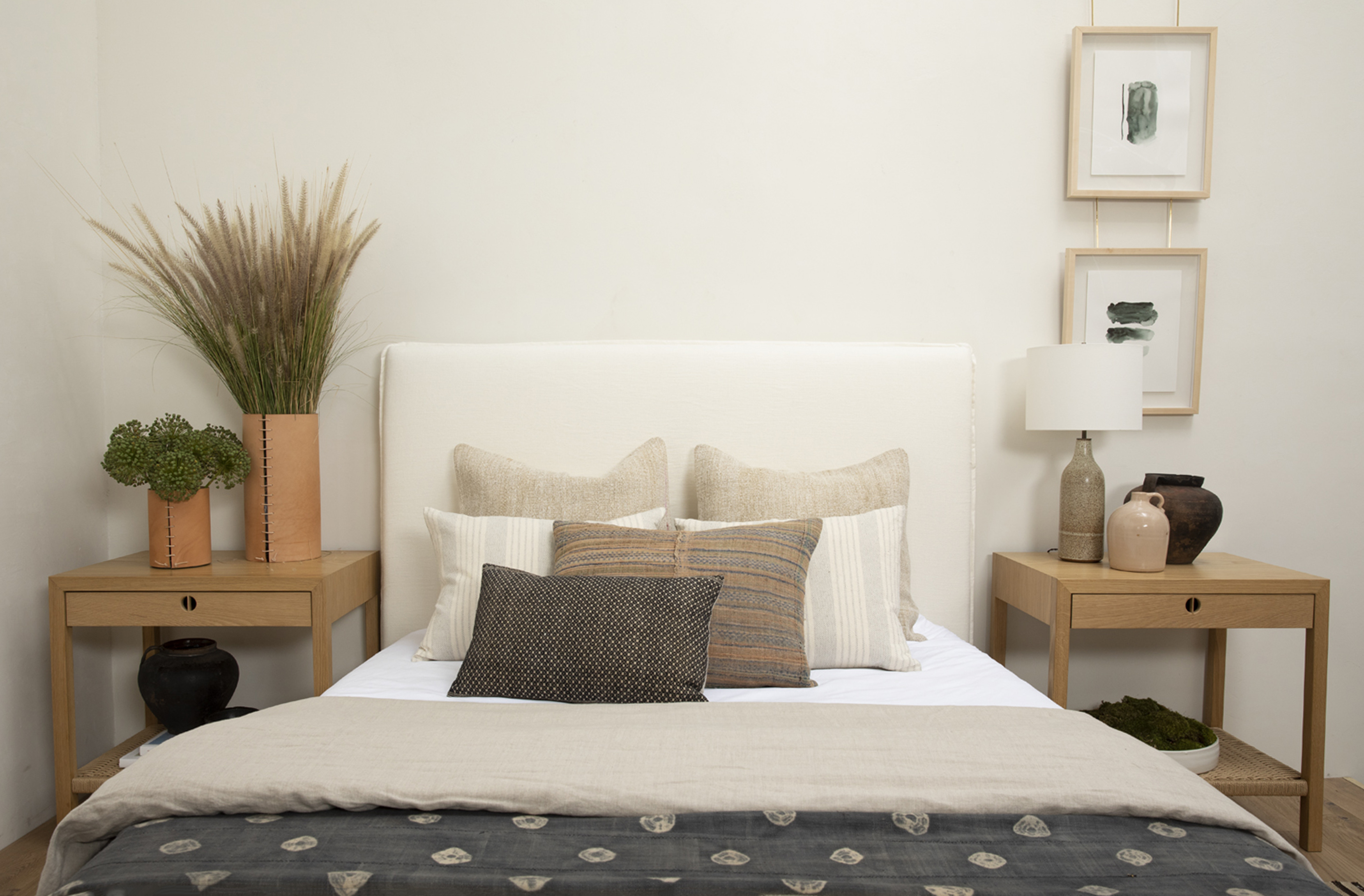 Video A Step By Step Guide On How To Style A Bed All Sorts Of