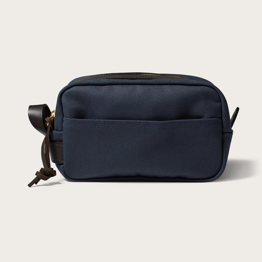 ALL-SORTS-OF-FILSON-TRAVEL-POUCH