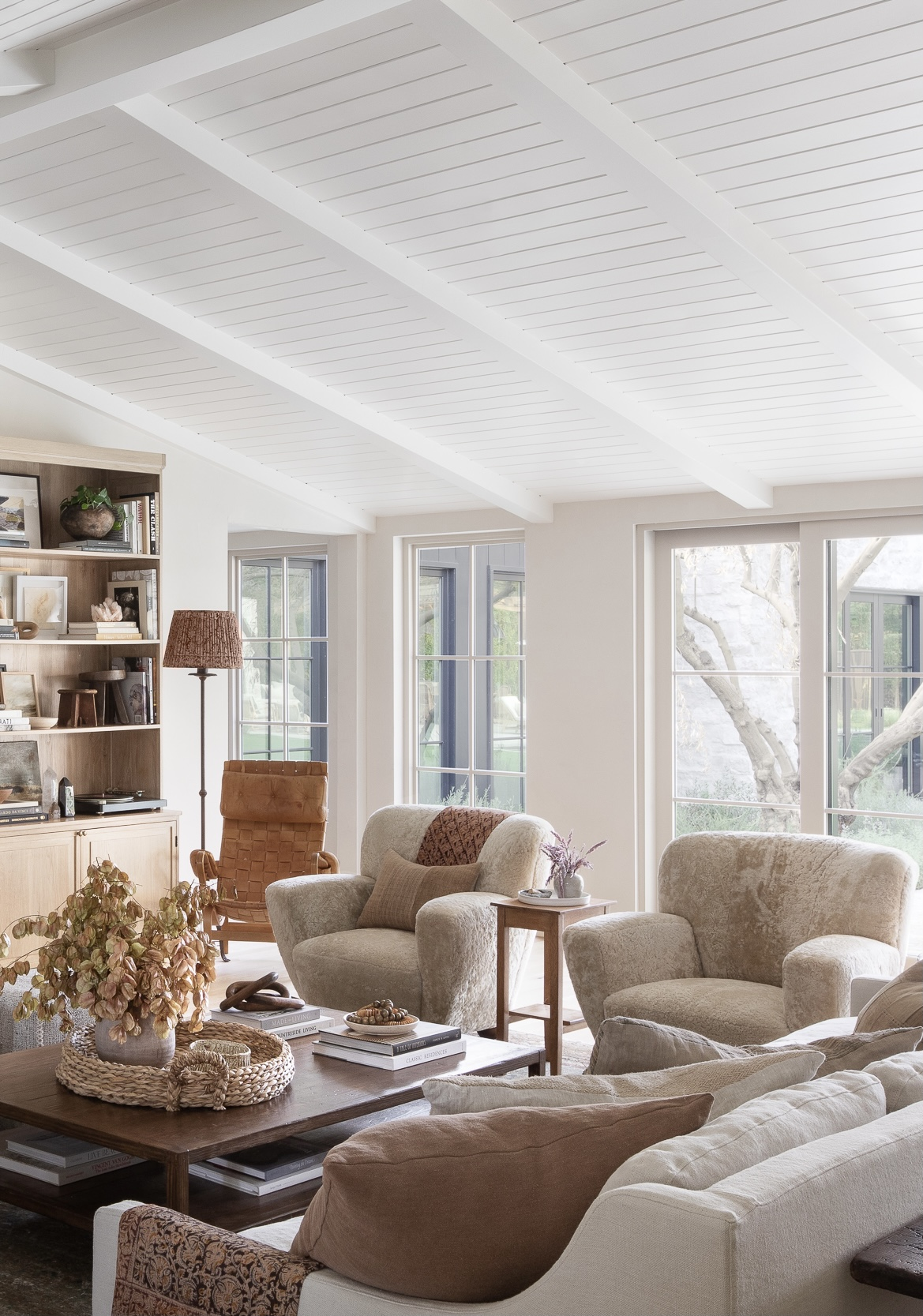 2021 Design and Decor Trends I'm loving: comfortable, relaxed easy care seating in the living room - Amber Interior Design